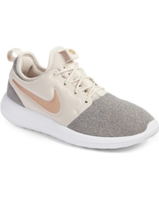 reputable site 3d67a 35194 womens nike roshe